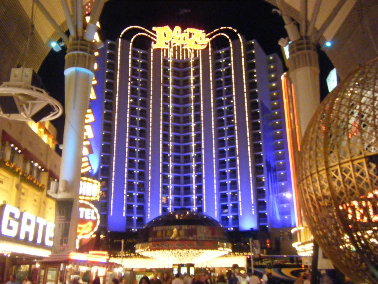 Best casinos to play at in atlantic city nj for Club inside motor city casino